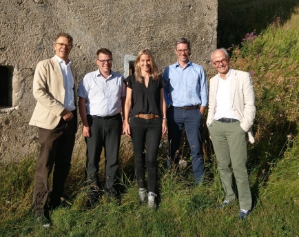 Erste ROKJ Kommission der Rotary Clubs St. Moritz und Bad Scuol Tarasp Vulpera.  Die Mitglieder v.l.n.r: Markus Hauser, RC St. Moritz, Michael Roth RC Bad Scuol, Annatina Taisch, RC Bad Scuol, Roman Grossrieder RC St. Moritz und Richard Dillier RC St. Mor